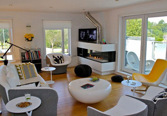 Donal Hutchinson-designed contemporary modernist property in Hove, East Sussex