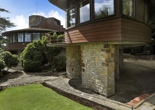 Arthur A J Marshman-designed Horton Rounds circular house in Horton, Northamptonshire