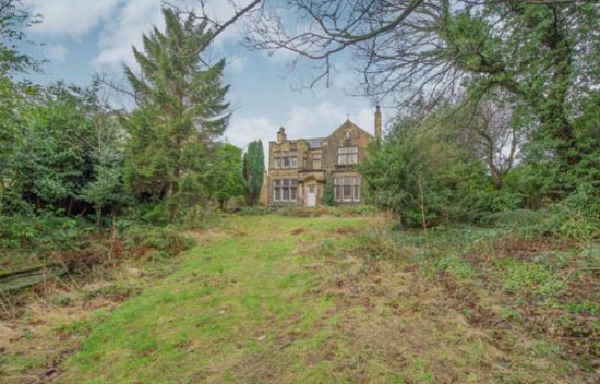 Five-bedroom detached Victorian property in Huddersfield, West Yorkshire