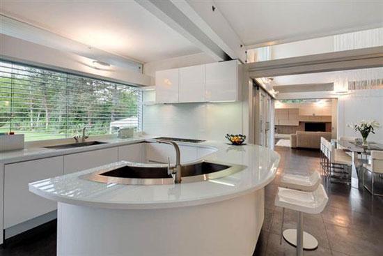 Five bedroom Huf Haus in Hornchurch, Essex