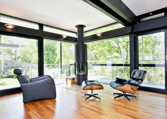 Five-bedroom Huf Haus in Chilworth, Hampshire
