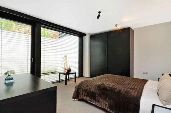 Five-bedroom Huf Haus in Kingston Vale, London SW15