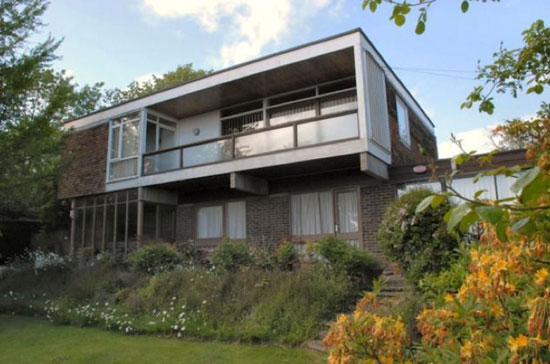 1960s architect-designed Crosstrees modernist property in Hythe, Kent