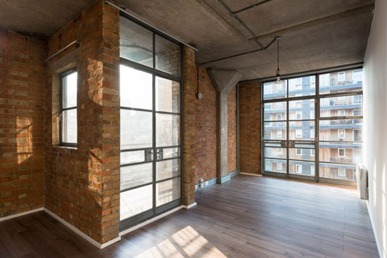 Apartment in the Davy Smith-converted Royle Building in London N1