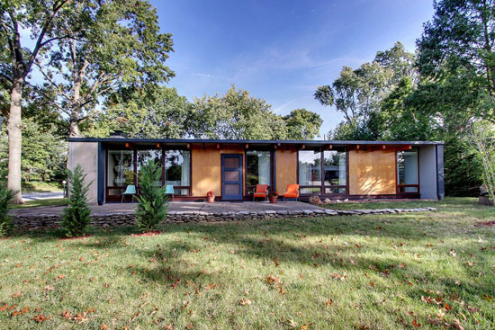 1960s midcentury modern property in Quincy, Illinois, USA