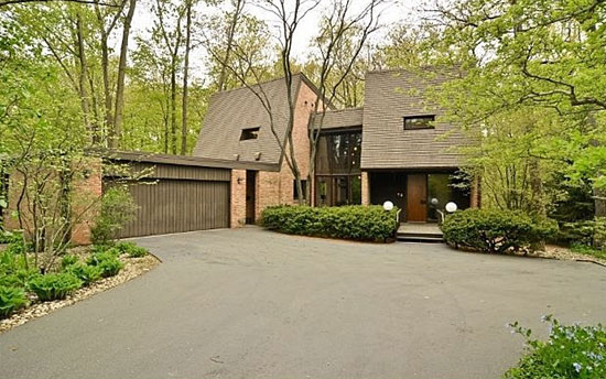 On the market: 1960s midcentury modern property in Highland Park, Illinois, USA