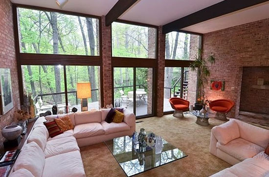 1960s midcentury modern property in Highland Park, Illinois, USA