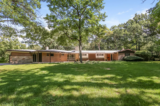 1950s Anton E. Kampf midcentury modern house in Lake Forest, Illinois, USA