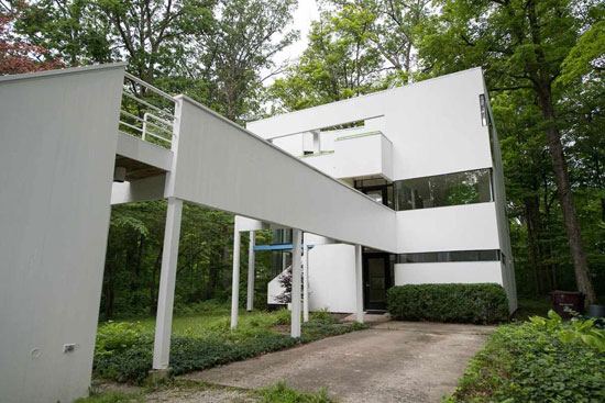 1970s modernism: Michael Graves-designed property in Fort Wayne, Indiana, USA