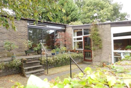 1960s midcentury modern single-storey property in Ipswich, Suffolk