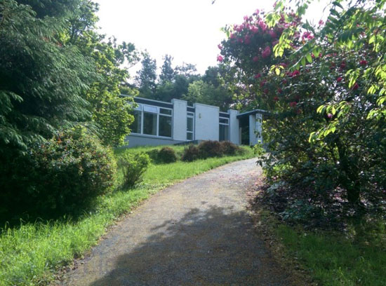 1960s Kelly, Barry & Associates-designed modernist property in Dromgarriff, County Cork, Ireland
