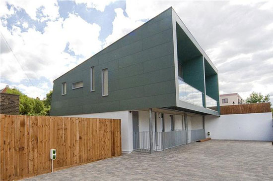 On the market: Three-bedroom contemporary modernist property in London N7
