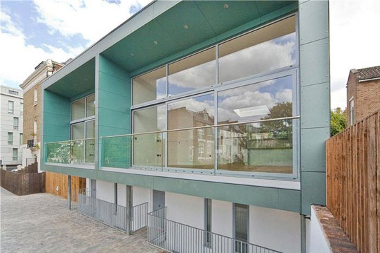 Three-bedroom contemporary modernist property in London N7