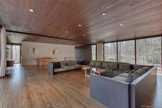 1970s John Dinkeloo modernist property in Hamden, Connecticut, USA