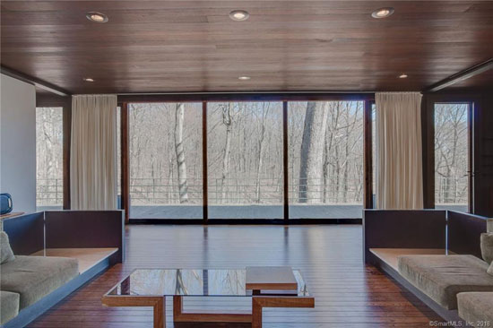 1970s John Dinkeloo modernist property in Hamden, Connecticut, USA
