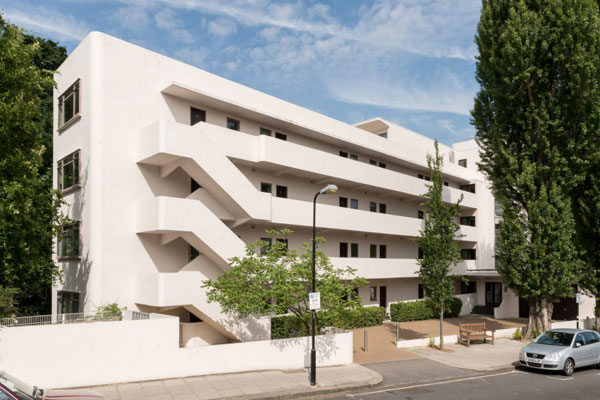 The Penthouse in the 1930s Wells Coates-designed Isokon Building in London NW3