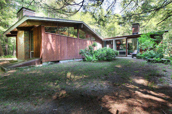 On the market: 1950s Carl Koch-designed midcentury modern property in Lincoln, Massachusetts, USA