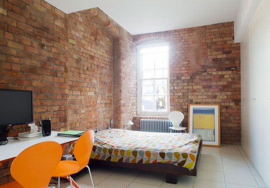 On the market two bedroom apartment in the jam factory london se1 wowhaus for Two bedroom apartment in london