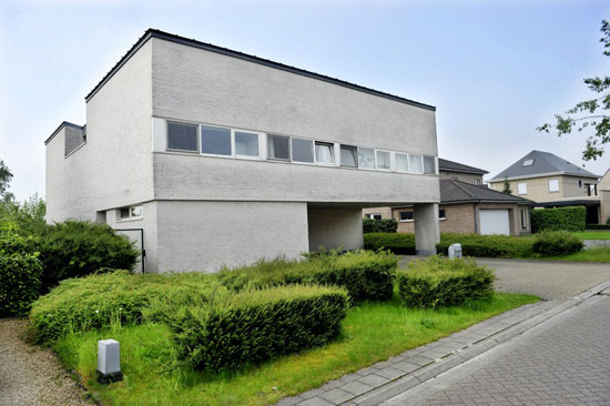 On the market: Jan Veelaert-designed modernist property in Kontich, Antwerp, Belgium