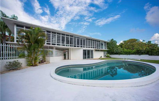 1940s modernism: Rufus Nims-designed Jetsons House in Miami, Florida, USA