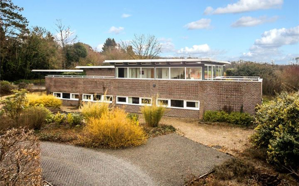 John Winter New Hill modernist property in Medstead, Hampshire