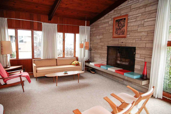 1950s John Semitekol-designed midcentury property in Joliet, Illinois, USA