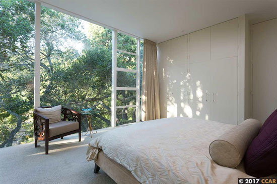 1960s midcentury modern: Edward Killingsworth-designed Spauldiong House in Oakland, California, USA