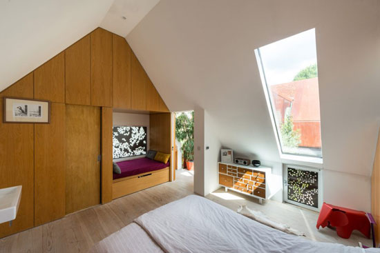 Piercy & Company-designed Kew House in Richmond Upon Thames