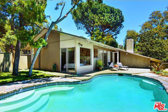 1950s Robert Kennard-designed midcentury property in  Los Angeles, California, USA