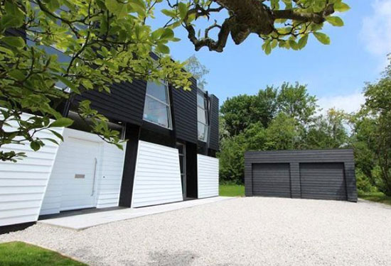 Trish House contemporary modernist property in Yalding, near Maidstone, Kent