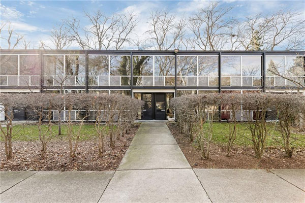 1950s Mies van der Rohe modernist townhouse in Detroit, Michigan, USA