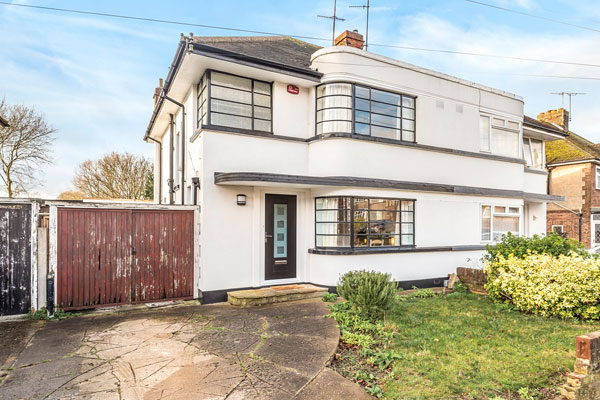 1930s art deco house in Luton, Bedfordshire