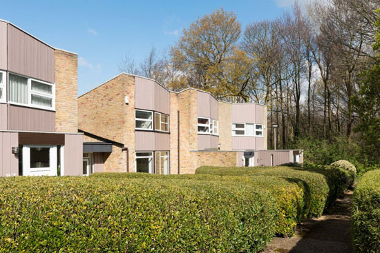 1960s Eric Lyons-designed property on the Lambardes Span estate, New Ash Green, Kent