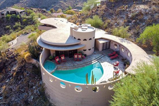 Frank Lloyd Wright's Circular Sun House in Phoenix, Arizona, USA