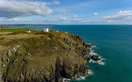 Coastal isolation: Lloyd's Signal Station on the Lizard Peninsula, Cornwall