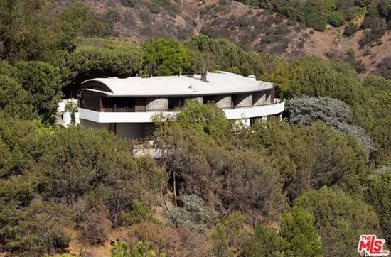 On the market: 1980s John Lautner-designed Alden Schwimmer Residence in Beverly Hills, California, USA