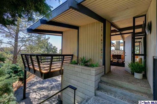 1950s William L. Duquette-designed midcentury property in Altadena, California, USA