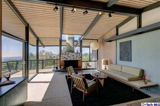 1950s William L. Duquette-designed midcentury property in Altadena, California, USA