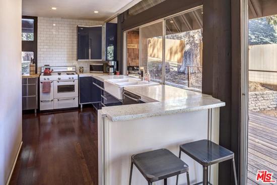 1960s Michael Black-designed Ferber House in Lake Arrowhead, California, USA