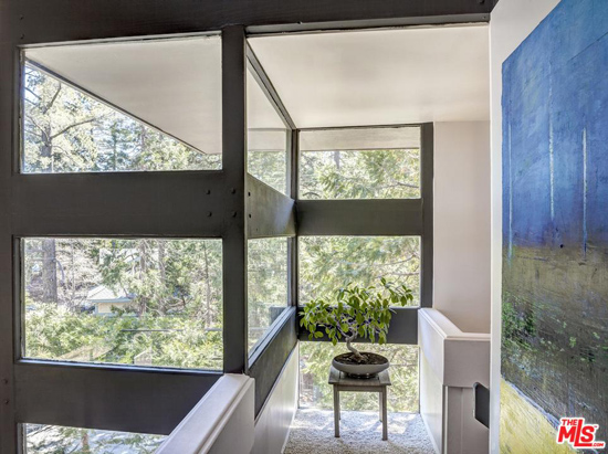 1960s Michael Black-designed Ferber House in Lake Arrowhead, California, USA