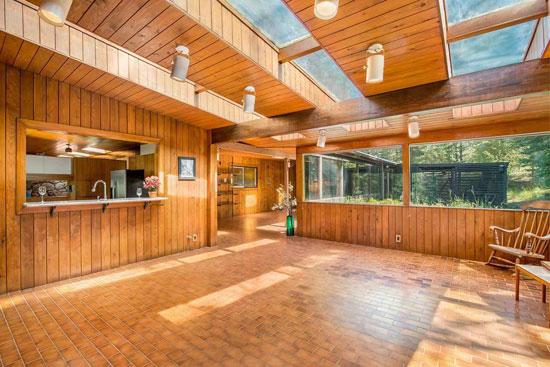 1960s midcentury modern: Moritz Kundig-designed Wallmark House in Nine Mile Falls, Washington, Washington, USA