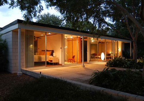 Gene Leedy-designed three-bedroomed midcentury modern property in Winter Haven, Florida