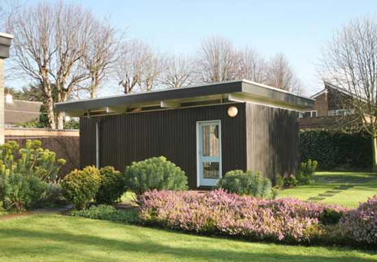 1950s Fello Atkinson and Brenda Walker-designed grade II-listed midcentury modern property in Leicester, Leicestershire