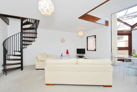 Ted Levy-designed one-bedroom townhouse in West Hill Park, London N6