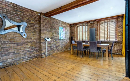 Grade II-listed conversion: Limehouse Wharf apartment in London E14