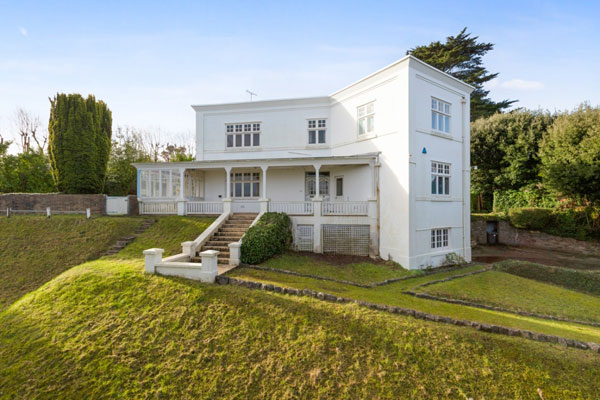1930s renovation project in Torquay, Devon
