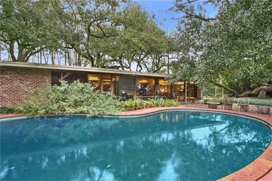 1950s Arthur Davis-designed midcentury modern property in River Ridge, Louisiana, USA