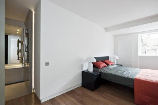 Three-bedroom contemporary terraced property in London N5