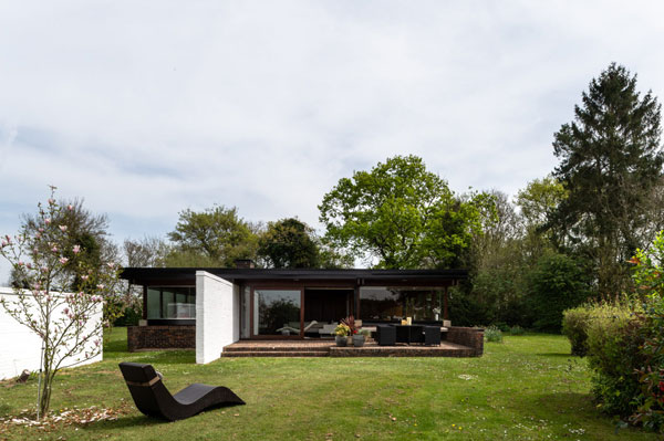 1960s Sir Philip Dowson midcentury modern house in Long Melford, Suffolk