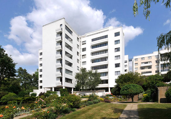 On the market: Two bedroom flat in the 1930s Berthold Lubetkin-designed Highpoint building, Highgate Village, London N6
